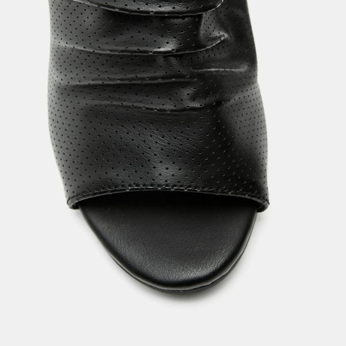 Sandales à dessus perforé bata, Noir, 761-6267 - 26